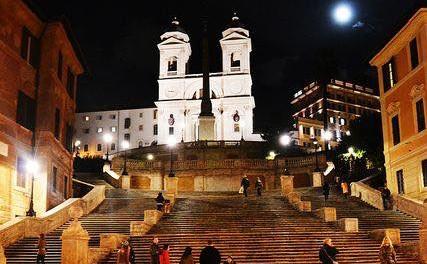Una passeggiata a Roma tra arte e luci natalizie